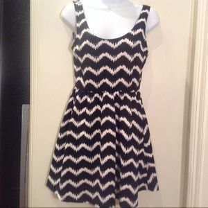 Timing knit dress